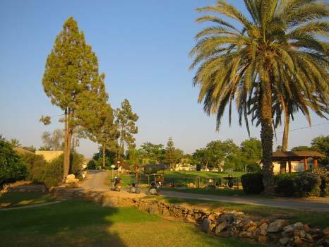 Kibbutz Kfar Menachem, wo die Grabungsmannschaft wohnte