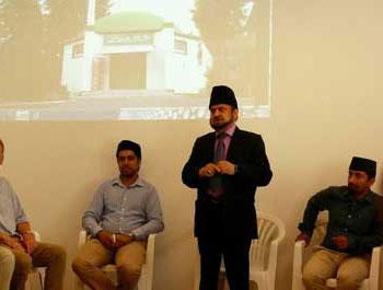 In der Ahmadiyya Moschee Neufahrn